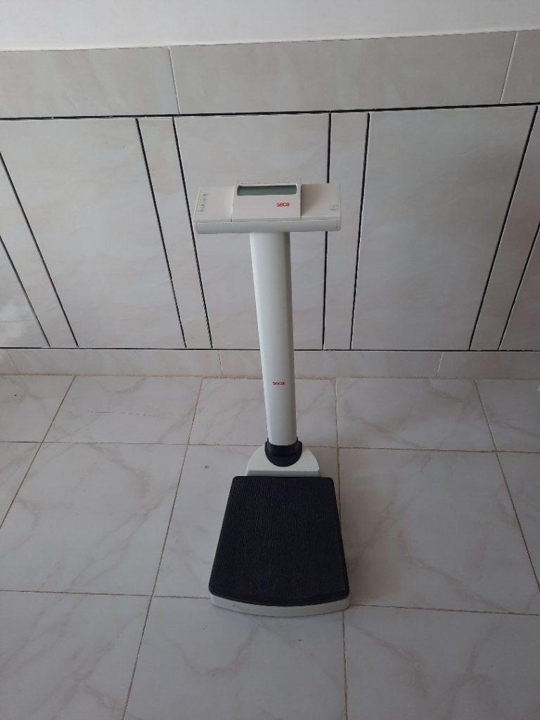 ترازوی دیجیتال سکا مدل 703 به همراه قد سنج